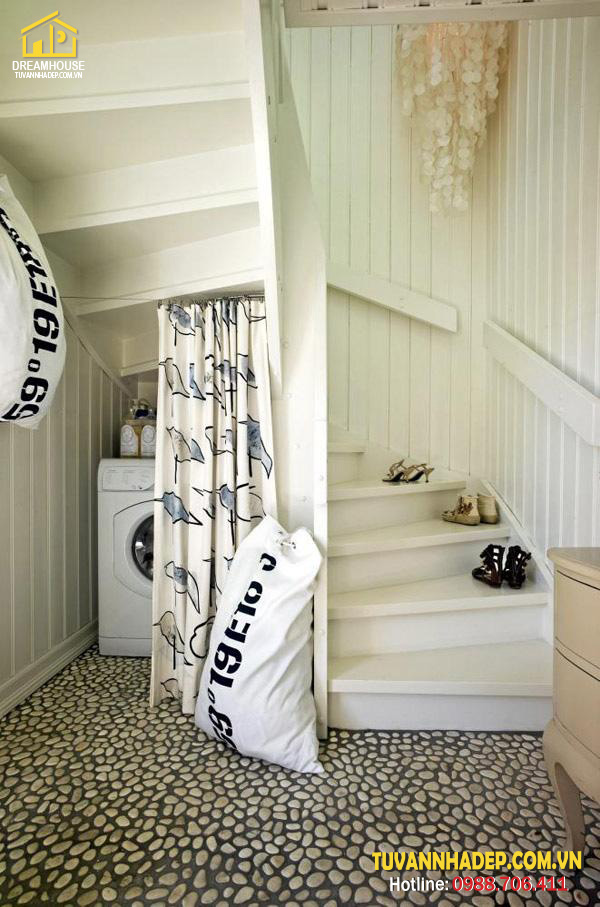 trang trí nội thất dưới gầm cầu thang