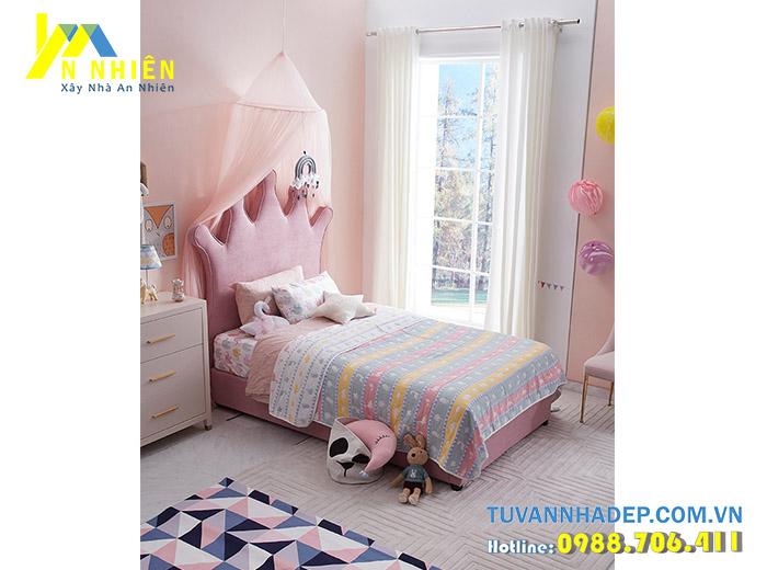 giường ngủ nhỏ màu hồng cho bé gái
