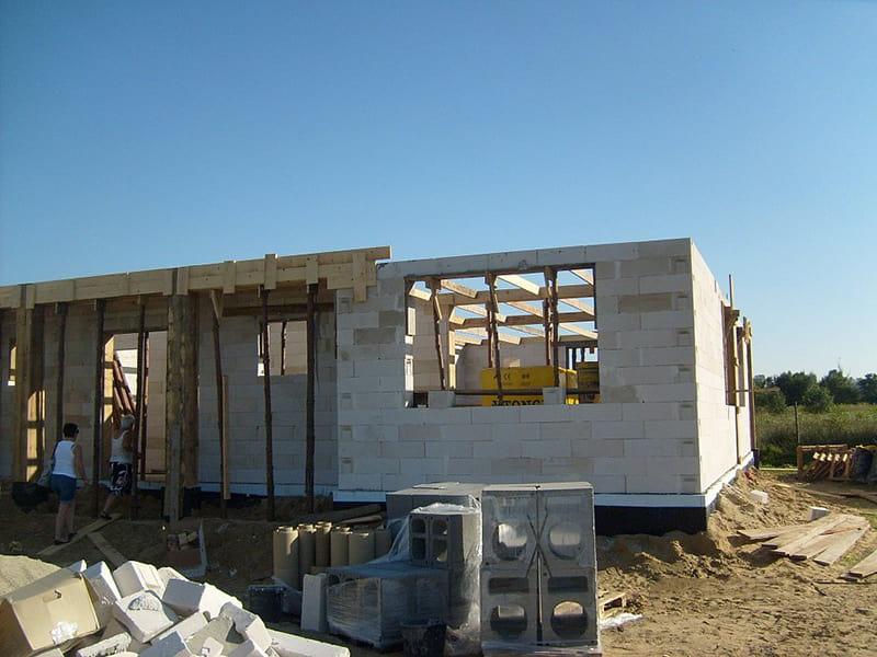 Giai đoạn xây tường và dựng mái cho căn nhà 1 tầng