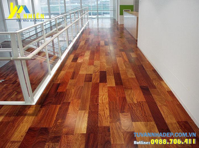 hình ảnh lát sàn nhà bằng gỗ căm xe