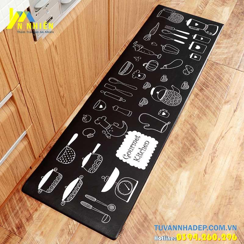 thảm trải sàn phòng bếp màu đen sạch