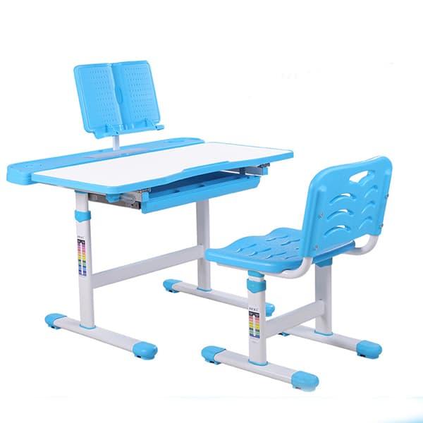 Học tiểu học bé nên dùng bàn học nhỏ gọn dễ tương