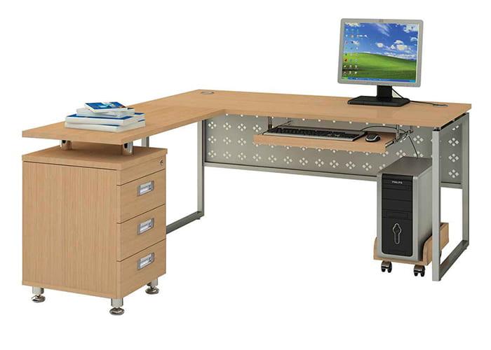 Mặt bàn chát liệu gỗ tự nhiên kết hợp với khung sắt bền đẹp