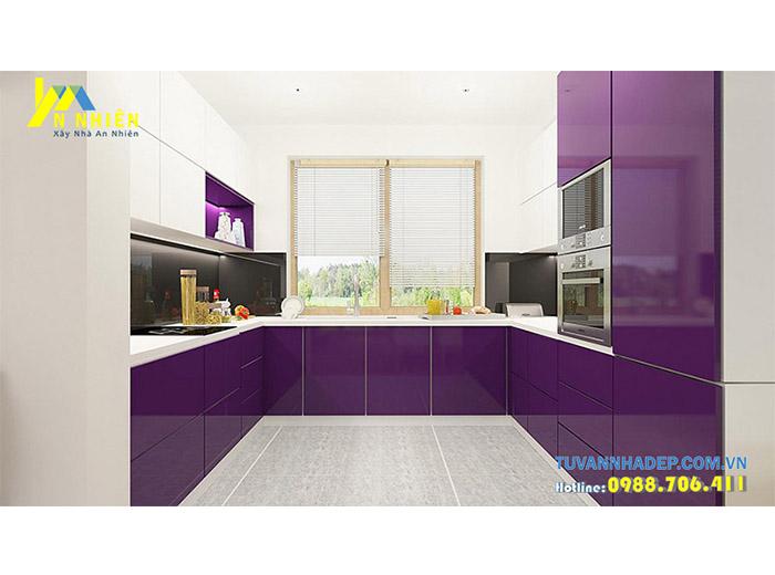 phòng bếp nổi bật với gam màu tím