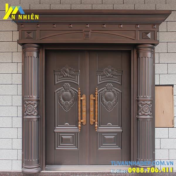 mẫu cửa gỗ lim đẹp - 14