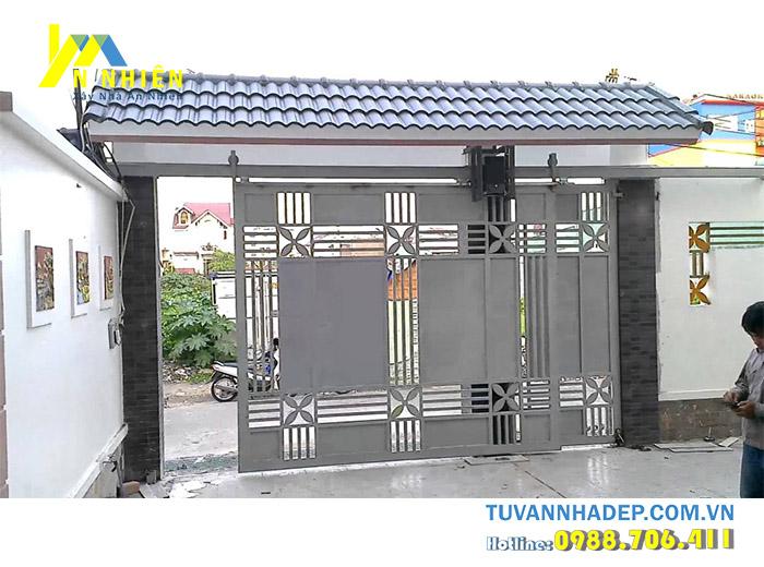cửa cổng kiểu lùa bằng sắt