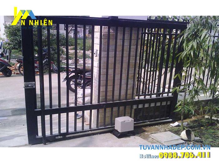 cửa cổng bằng sắt kiểu lùa