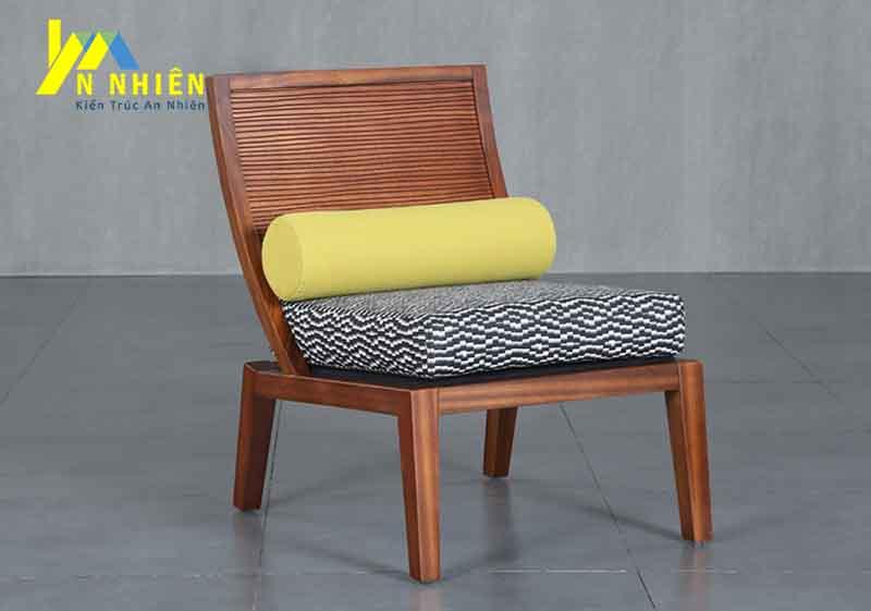 mẫu ghế gỗ sồi đơn giản cho phòng khách