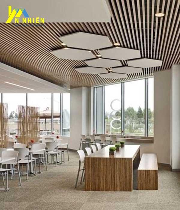 hình ảnh trần nhà ốp lam gỗ