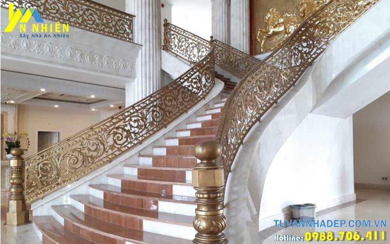cầu thang trong nhà bằng nhôm đúc