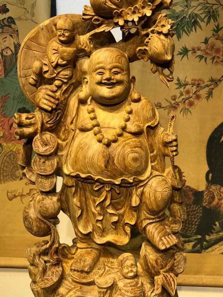 Tác phẩm tượng Phật Di Lặc gỗ Ngọc Am